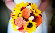 chọn hoa cưới